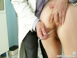 old miriam doctor gyno speculum pussy checkup on