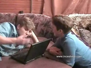 son play at computer but come slutty mamma and