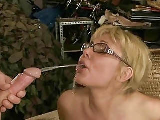 old fellow fucking and pissing on mature woman