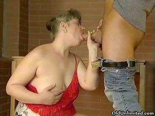 bulky old aged wife loves engulfing large