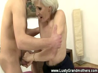 amateur old granny getting pussylicked