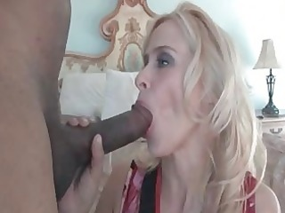 freaky mamma peyton leigh plays with massive dark